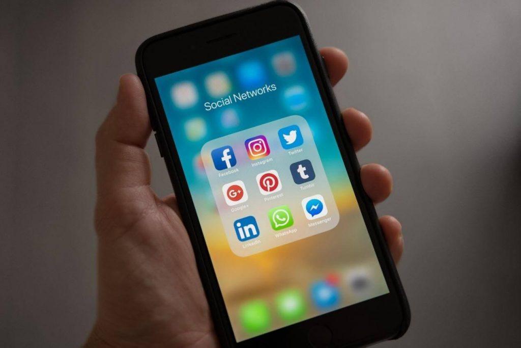 אפליקציות רשתות חברתיות